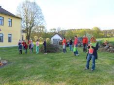 Stavění májky a čarodějnice v Holšicích